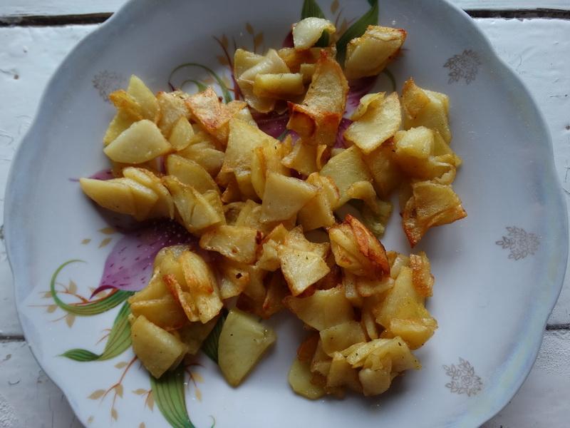 Что особенного в этой лепёшке? Вкус потрясающий, а состав простейший: мука, вода и начинка из картошки с сыром