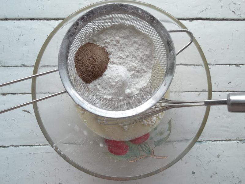 Рецепт чудного пирога «Штрейзель» - сладко-кисленькая начинка и хрустящая крошка сверху