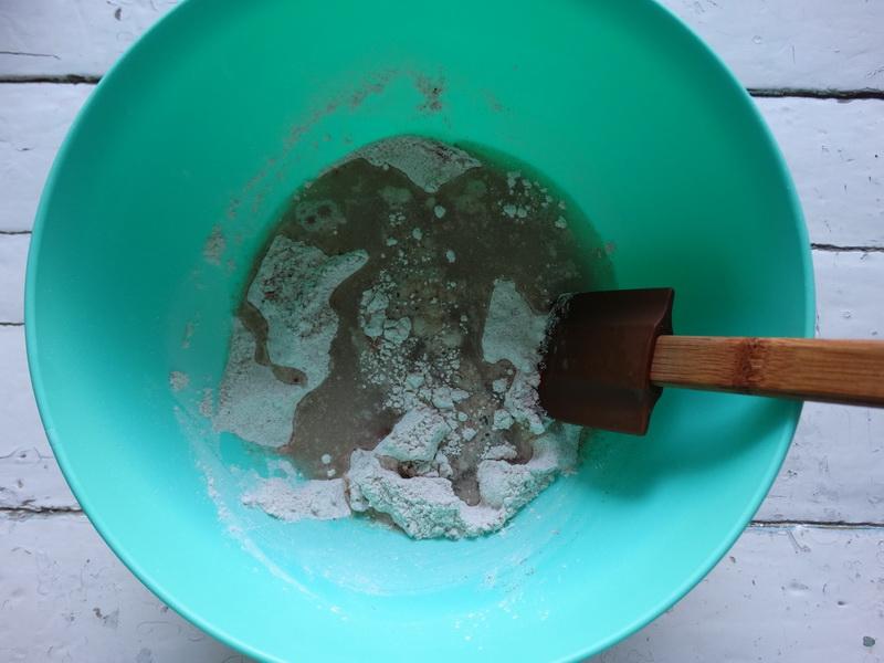 «Хрустящие злаковые крекеры» - готовлю детям в школу на перекус. Но и не скрою: сама ими спасаюсь во время диеты