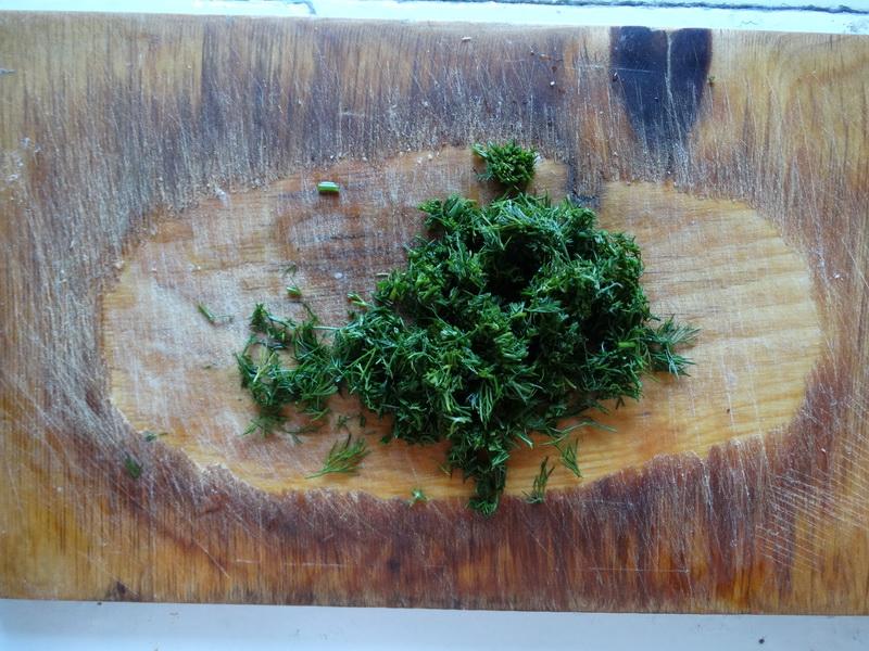 Новая обёртка для «дежурных» салатов. Делаю «Мимозу» так, что и на работу, и в дорогу удобно взять