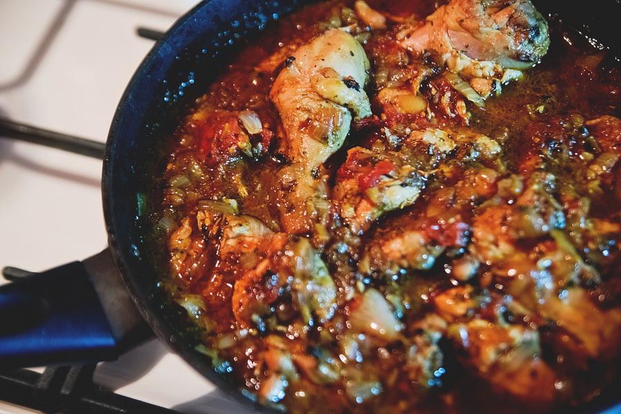 Настоящий бал вкусов. Готовлю «Чахохбили из курицы». Рецепт очень простой, а результат особенно вкусен