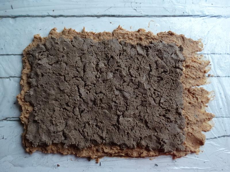 Рулет-паштет из фасоли с начинкой. Так паштет я ещё не готовила, а оказалось - очень вкусно