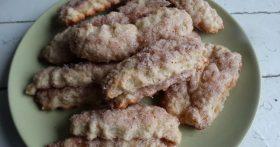Слоёное печенье — не из слоёного теста. Как по мне, проще рецепта не придумать
