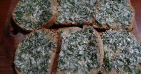 Вкусный хлеб в нашей семье — это домашний хлеб. Мой «Чесночный батон» удобный рецепт хлеба для гренок + особая намазка