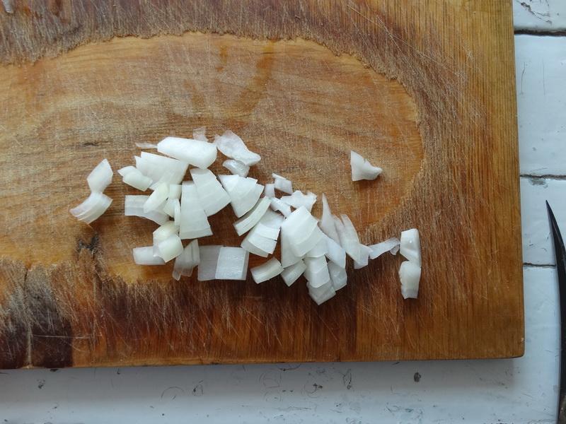 «Оливье на улет!» - рецепт с «дымком» и свежим огурцом