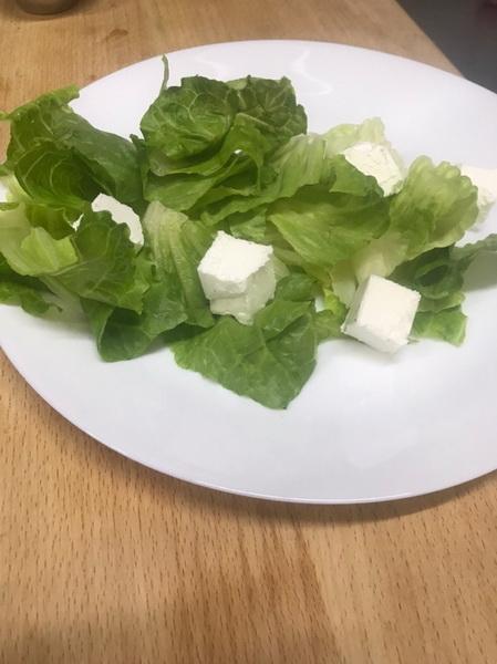 Новый год бывает только раз в году! Буду угощать сватов настоящим ресторанным салатом. Пробую и делюсь рецептом