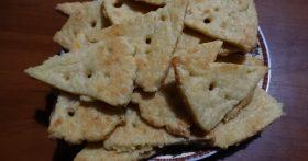 Сырное печенье «Соточка» — Всегда спасает вечером: «Кино и что-то пожевать…»
