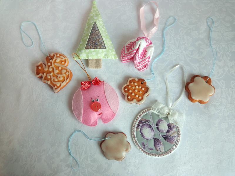 Съедобные ёлочные игрушки. Всегда пеку их в канун Нового Года и украшаю ими ёлочку. Внучатам нравится