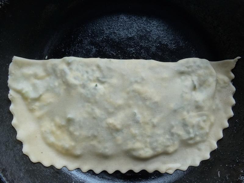 Афарар – тончайшие лепёшки с начинкой, которые любят на Кавказе. У нас они любимая закуска в дорогу