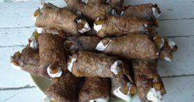 Канолли — вафельные трубочки с обалденной начинкой (без вафельницы)