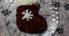 Салат «Рождественский Сапожок». Готовлю его не первый раз и уже подобрала идеальное сочетание ингредиентов с гранатом