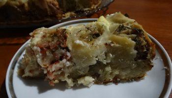 Мясной пирог из тонкого теста. Муж называет его «Большой пельмень». А готовить-то проще, да и вкуснее в сто раз!