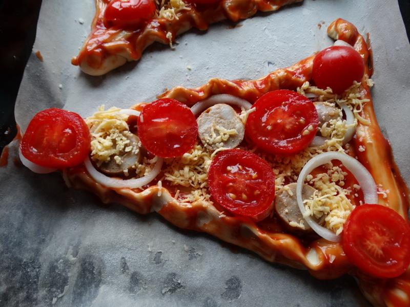 «ПиццЕль» - 3 вида особенной новогодней пиццы (разнятся тестом и сборкой, начинка одинаковая)