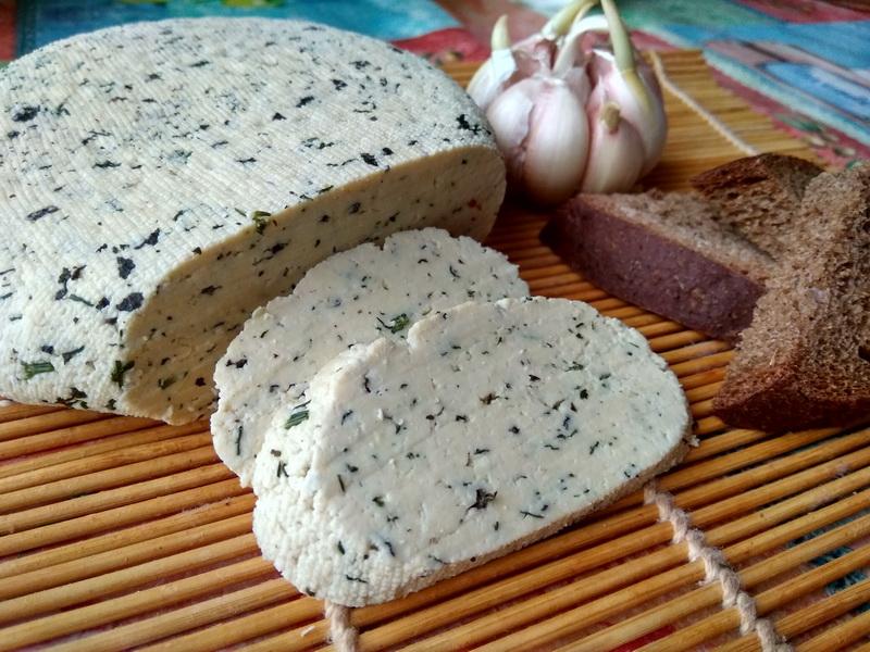 Творожный сыр - готовлю к застолью. Все спрашивают: «Что за сыр? Где купила?»