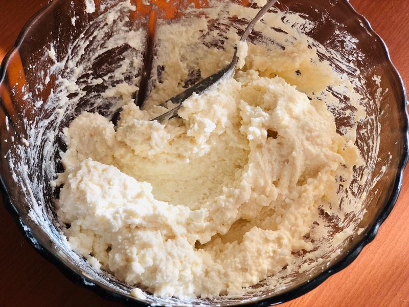 Сырники «Как у мамы». Готовятся просто, а результат – изумительный