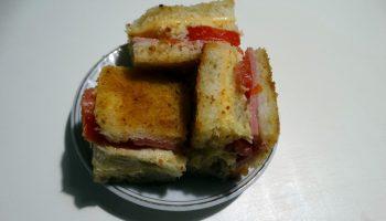 «Необычный бутерброд» — готовлю детям на завтрак, но и на стол праздничный подать можно
