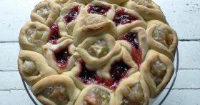 Душевный пирог «100 булочек» — можно нарезать на кусочки, а можно отделять каждую булку!