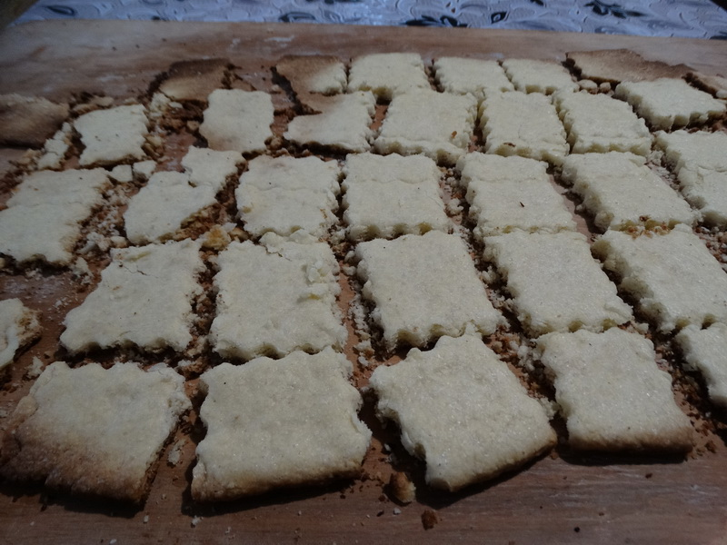 Мой рецепт «Идеальной основы для чизкейка» - без лишнего жира, нежная и прочная, а всё, потому что печенье пеку сама