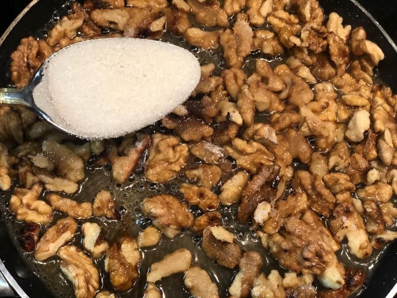 «Подсела» на десерты без выпечки, готовлю из творога и сухофруктов. Быстро, вкусно и на праздник не стыдно подать