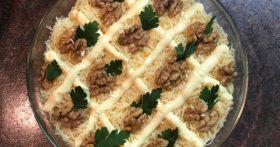 Салат «Ананас» — яркий и сочный. Готовила ещё на Новый год, всем гостям пришёлся по вкусу