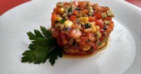 Постный тар-тар – использую только сырые овощи и авокадо. Сытно и свежо