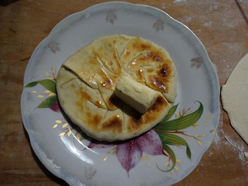 Чуду – «чудо» лепёшки с начинкой. Мука, кефир, сода и соль и никаких хлопот в готовке