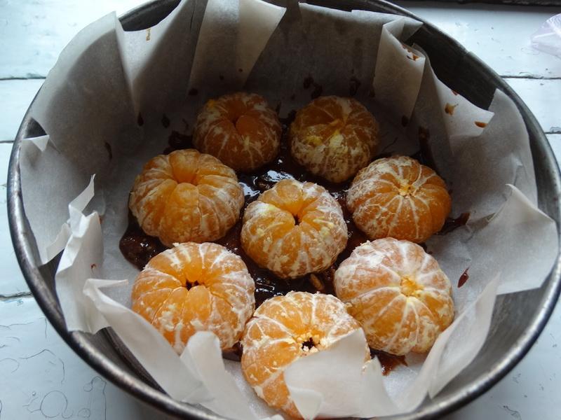 Пирог из мандаринов – подсмотрела рецепт у подруги, приготовила и сразу влюбилась. Вкус и вид просто нечто