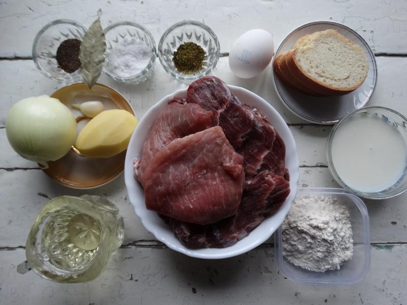 Гениальные котлеты– нежнейшие потому, что в фарше 50% отварного мяса. Сестра поделилась рецептом, сама бы не догадалась