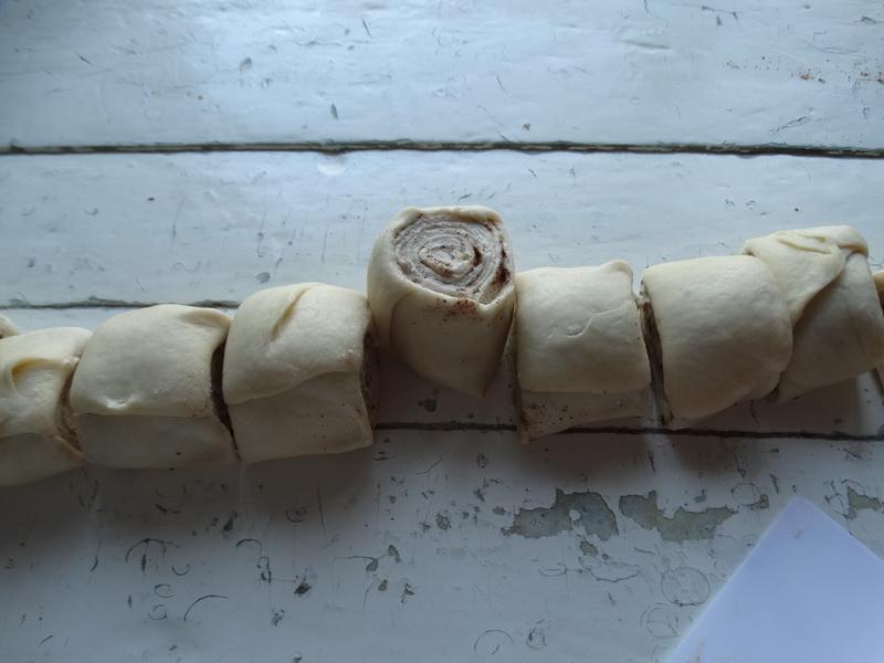 Вкусное и пушистое тесто на майонезе. Я пока вкуснее и быстрее тесто не встречала