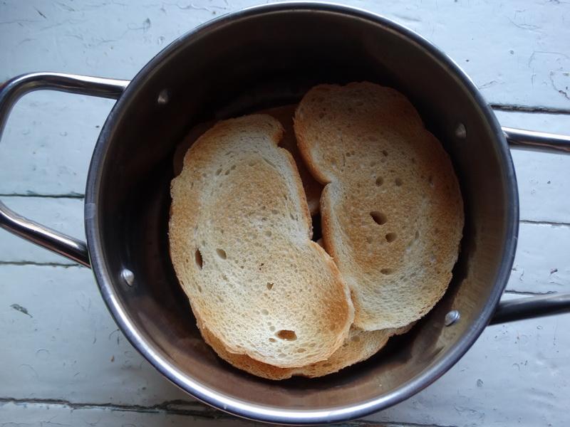Необычный десерт «Хлебный суп». Муж не любитель кулинарных новинок, но даже он оценил угощение на отлично