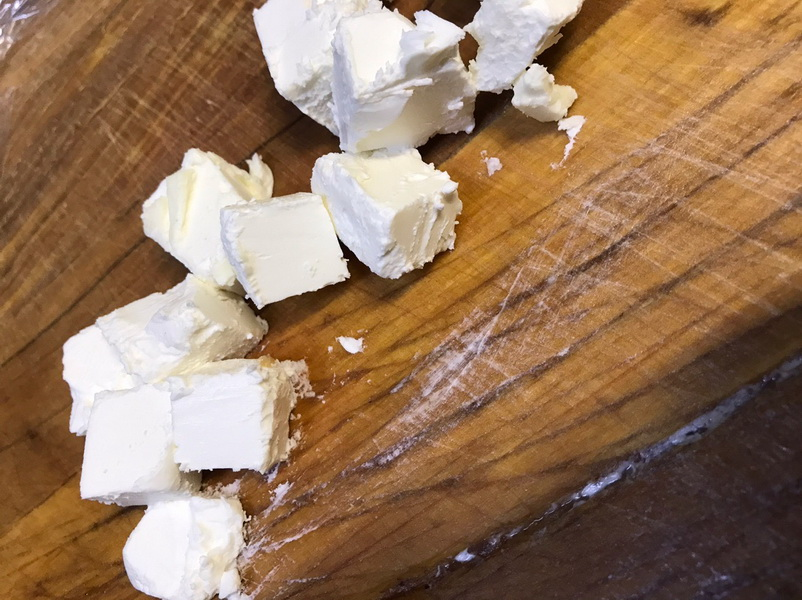 Делаю шикарную закуску из сёмги с сыром (Рыбу мариную сама 1 час в водке)