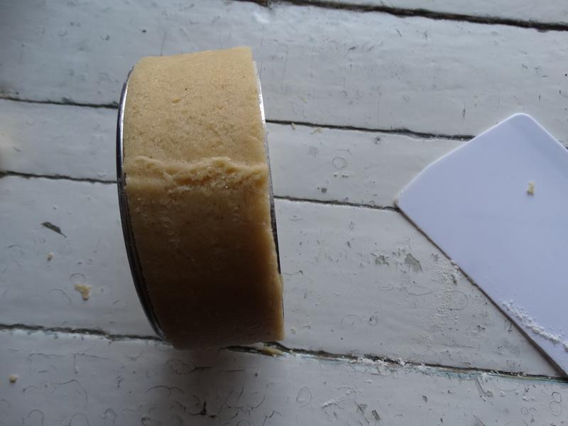 Торт настоящее открытие: в нём нет плоских коржей и украсить, и собрать его можно абсолютно иначе