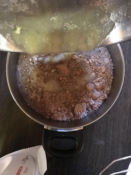 Шоколадный торт без сахара за 30 минут