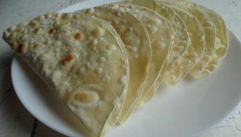 Кыстыбый — лепёшки не просто вкусные, но и универсальные: кому-то хлеб, а кому-то любимый перекус