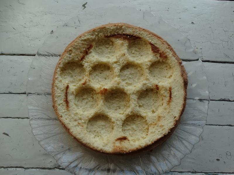 Торт «Пчелиный улей» - просто невероятно воздушный и медовый (не нужно ждать, когда пропитается)