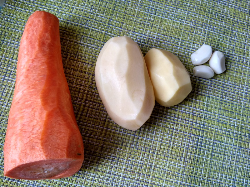 Часто готовлю постный «Морковный салат с картофелем и солёным огурцом», очень полюбился в моей семье