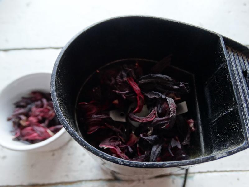 Конфеты «Каркаде» - сама не ожидала, что так вкусно (напоминают Рафаэлло, но с приятной кислинкой). Делюсь рецептом