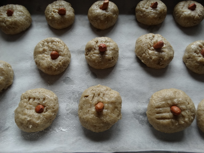 Приготовила «Печенье из халвы» - очень впечатлило. Нежный и приятный вкус и без маслянистости
