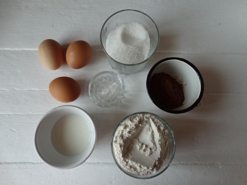 Приготовила так популярный сейчас торт «Норка крота» - действительно вкусно, мне очень понравился