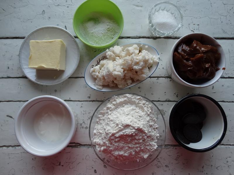 Пирожные Муравейник. Мне нравится куда больше, чем торт: вкус тот же, а возни меньше
