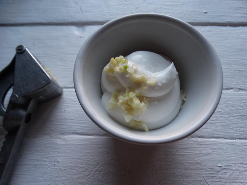 Гужеры – моя любимая закуска на «взрослую посиделку»: безумно вкусные сырные эклеры с пикантной начинкой
