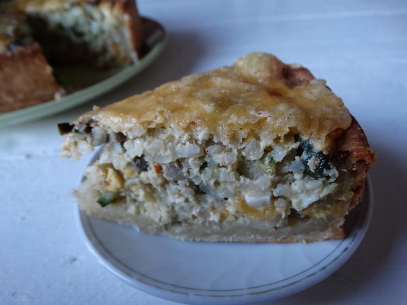 Рисовый пирог – моё фирменное блюдо. И тесто рисовое, и начинка рисовая, и вместе просто идеальны