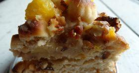 Не пирог, а сказка — я называю его «Апельсиновым», хотя в нём есть яблоки и орехи, а тесто творожно-дрожжевое