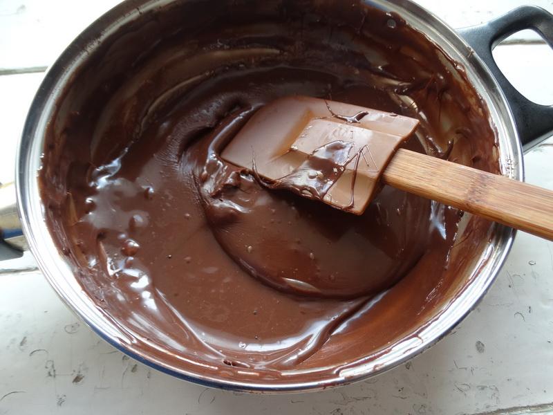 Бразильский десерт Бригадейро (из сгущенки и какао) – рецепт и продукты простые, а на вкус словно дорогие конфеты