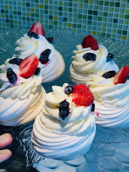 Знаменитые воздушные пирожные «Павлова» — не просто красивое, а наивкуснейший и уникальный десерт