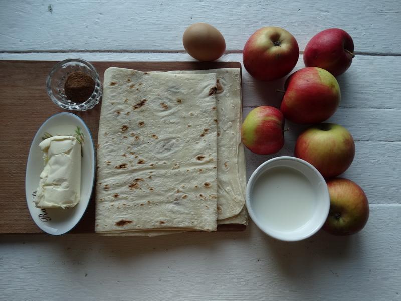 Рулет с яблоками к чаю – вкуснятина без тягомотины с тестом
