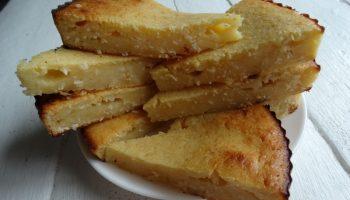 Лимонная вкуснота – простой рецепт пирожного: без крема и лишних калорий. Десерт реально влажный и нежный — тает во рту