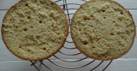«Бисквит, который у меня получается всегда» — Пышный, без горок и ям. Простой рецепт на 2 яйца