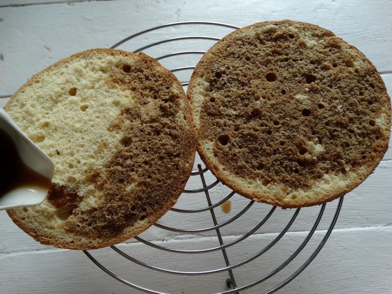 «Бисквит, который у меня получается всегда» - Пышный, без горок и ям. Простой рецепт на 2 яйца