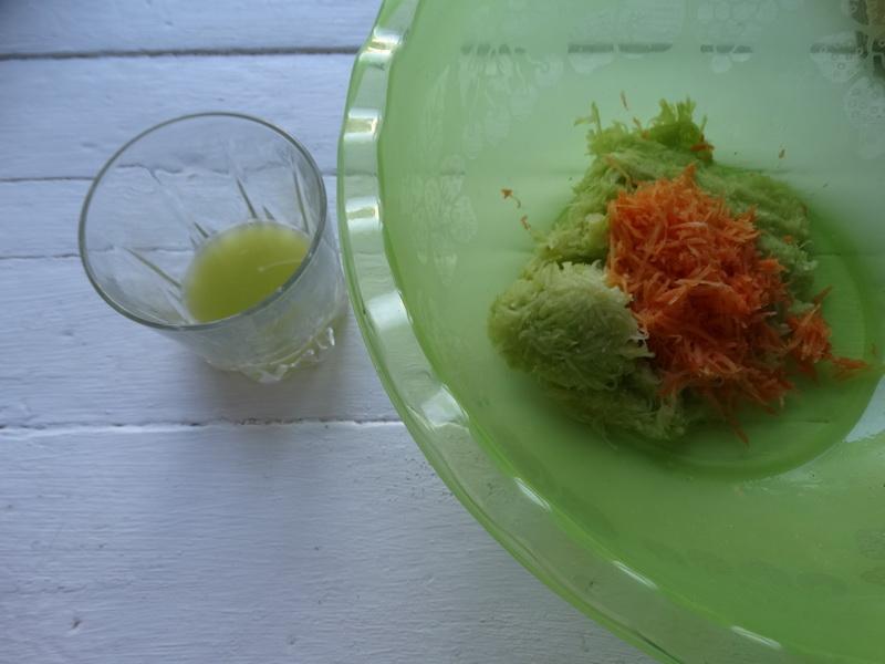 Уже 10 лет готовлю кабачковые оладушки по одному рецепту: всегда идеальны. Плотные, крепкие и нежные – мой секрет 1 яйцо